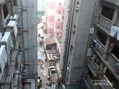 Serunya Menginap di Apartemen Kumuh Hong Kong