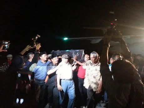 Jet Milik JK Bawa Jenazah Bapak Trembesi dari Singapura ke Makassar