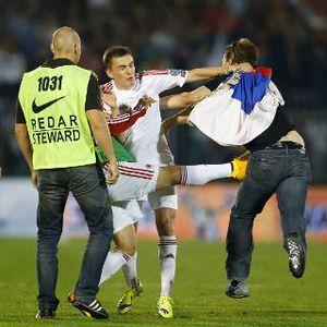Rusuh, Laga Serbia vs Albania Dihentikan