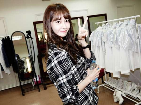 Yoona SNSD Cantik dan Cute Berponi
