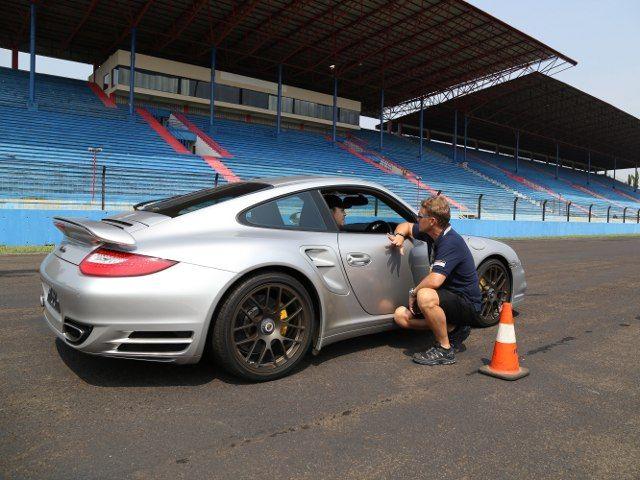 Kursus Nyetir Ala Porsche