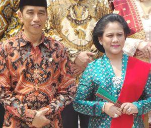 Dampingi Jokowi di Pelantikan Menteri, Iriana Kembali Pakai Kebaya Warna Cerah