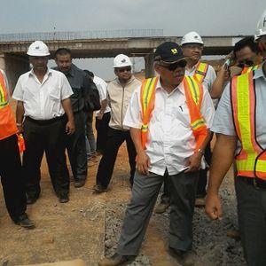 Usai Blusukan di Tol, Menteri Basuki Kunjungi Bendungan Terbesar Kedua RI