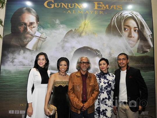 Premiere 'Gunung Emas Amayer'