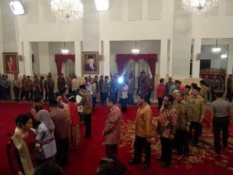 Presiden Jokowi Beri Gelar Pahlawan Nasional untuk 4 Orang