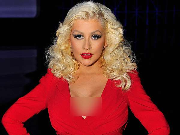 Super Hot Mom! Christina Aguilera Makin Wow Pasca Melahirkan