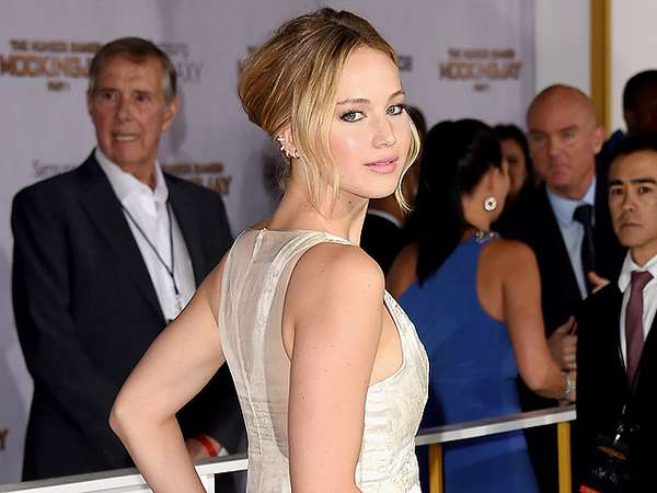 Cantiknya Jennifer Lawrence di Premiere The Hunger Games