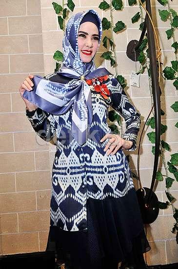 Gaya Hijab ala Angel Lelga