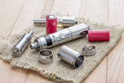 Apa Saja yang Perlu Diatur Soal Rokok Elektrik? Ini Harapan Dokter Paru