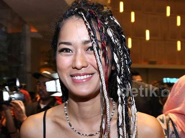 Wow, Prisia Nasution Berambut Gimbal
