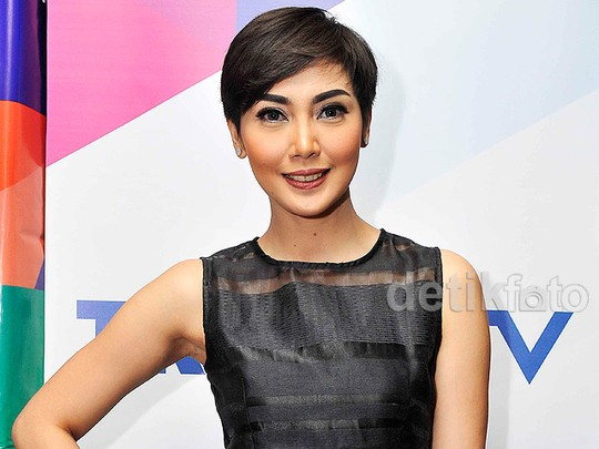 Fenita Arie Chic Dibalut Dress Hitam