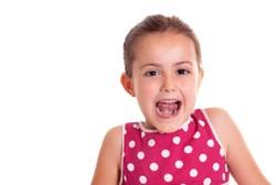 Apa Sih Sebenarnya Faktor Penyebab Munculnya Cadel pada Anak?