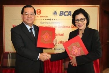 Perkuat Kerjasama Menjelang AEC 2015, BCA Tandatangani Nota Kesepahaman (MoU) dengan Public Bank Berhad