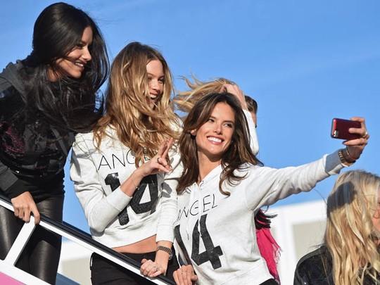 Alessandra Ambrosio Hingga Behati Prinsloo Terbang ke London
