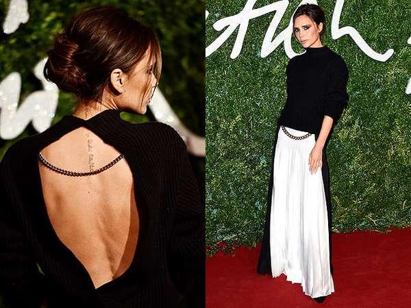 Pakai Baju Backless, Victoria Beckham Pamer Tato di Punggung