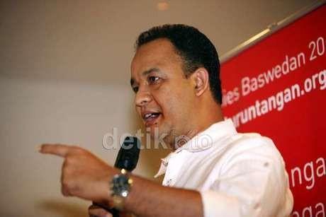 Mendikbud Anies Baswedan Putuskan Kurikulum 2013 Dihentikan
