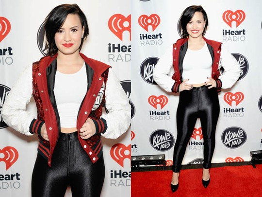 Celana Superketat Demi Lovato