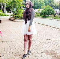 Hijab Style Gaya Unik Kenasti Arninta Dengan Padu Padan Rok Mini