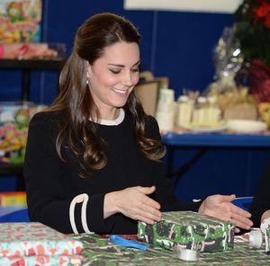 Hari kedua di New York, Kate Middleton Modifikasi Bajunya Jadi Lebih Panjang