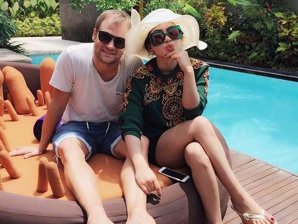 Aw Aw, Syahrini dan Dash Berlin Intim di Bali