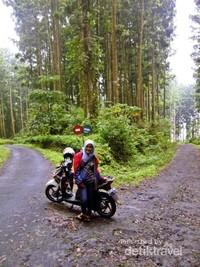 Jalan menuju Pancuran Pitu
