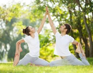 Ini Alasan Latihan Yoga Efektif Menambah Kenikmatan dalam Bercinta