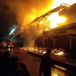 Kebakaran di Pasar Klewer Solo Sulit Dipadamkan Karena Banyak Kain dan Angin Kencang