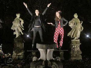 BFF, Kendall Jenner & Cara Delevingne Buat Video Konyol Untuk Rayakan Natal
