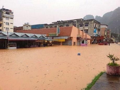 Malaysia Dilanda Banjir Terburuk Dalam 1 Dekade Pm Najib Dikritik