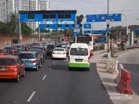 Menjelang Woodlands Gate di Singapura