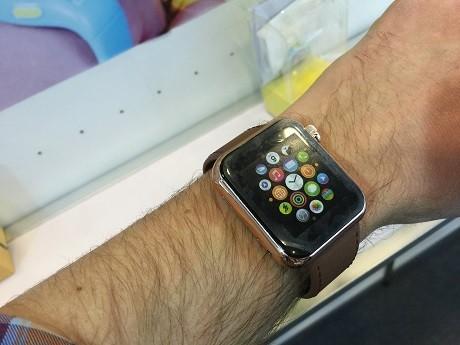 Tiruan Apple Watch (business insider)