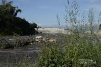 Aktivitas penambangan pasir di lereng Merapi
