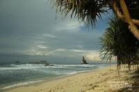 Pantai Buyutan di pagi hari