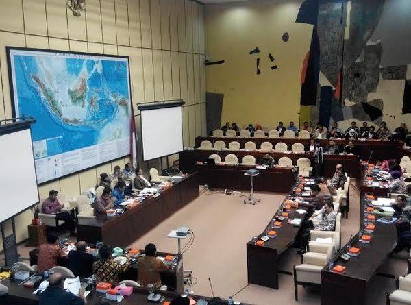Dikebut, Komisi II Bawa Perppu Pilkada ke Paripurna DPR 20 Januari
