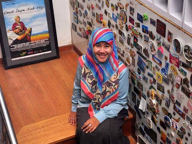 Ratusan Gantungan Kunci Hingga Pintu Postcard di Rumah Asma Nadia