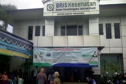 Antre Daftar Sejak Subuh Juga Terjadi di BPJS Yogyakarta