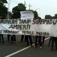 Masyarakat Madura Minta Presiden Jokowi Hapus Tarif Tol Suramadu