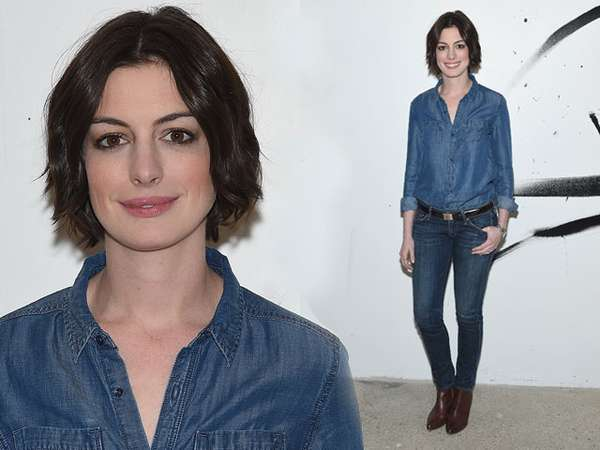 Tampil Kasual, Anne Hathaway Tetap Cantik