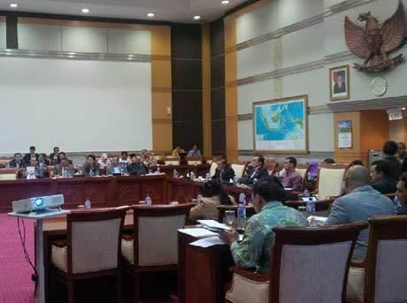 Suasana rapat kerja Menkominfo dan Komisi DPR RI (rou/detikINET)