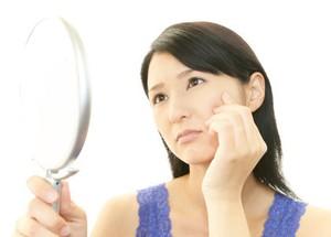 Cara Pudarkan Flek Hitam di Wajah Tanpa Harus Pakai Krim Anti Aging