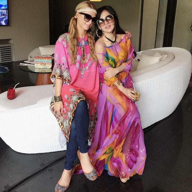 New BFF! Syahrini dan Paris Hilton Akrab Banget di Bali