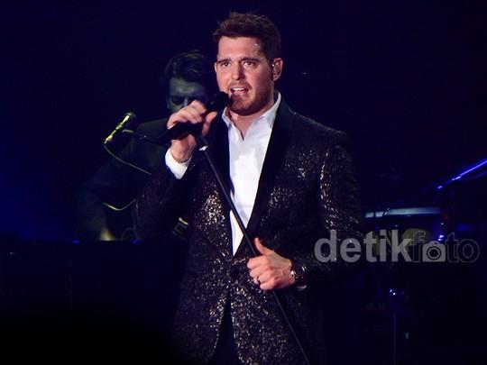 Romantisnya Konser Michael Buble di Indonesia