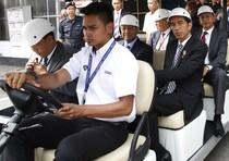 Jokowi Kunjungi Pabrik Proton
