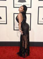Sexy Black! Lekukan Tubuh Nicki Minaj di Grammy 2015