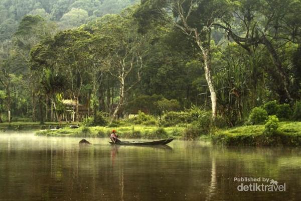 Situ Gunung Sukabumi Indahnya Bak Lukisan