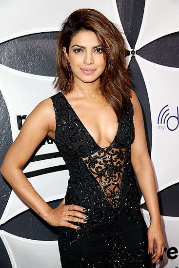 Priyanka Chopra Superseksi di After Party Grammy 2015