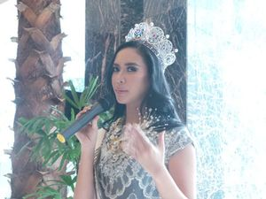 Foto: Elvira Devinamira Jadi Guru untuk 38 Finalis Puteri Indonesia