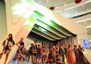 Koleksi 9 Negara Denny Wirawan Buka Program Beauty Showcase Senayan City