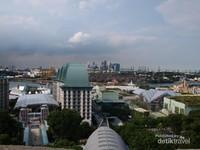 Pemandangan Singapura dari atas Sentosa Merlion
