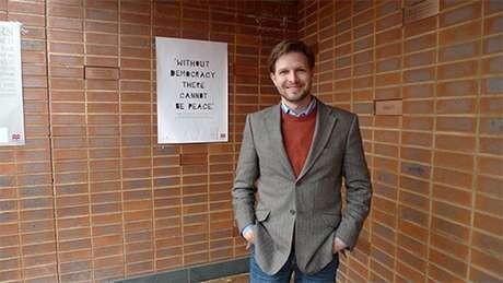 Profesor Jonathan Brown (Foto: Website pribadi www.drjonathanbrown.com)